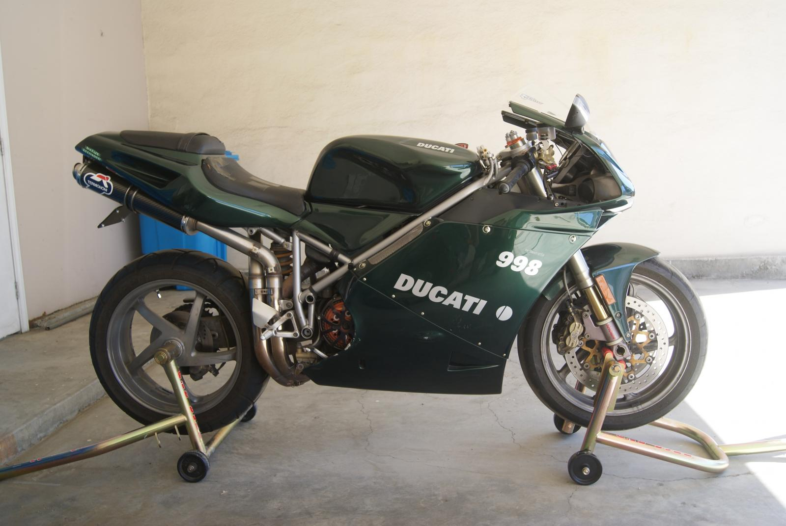 This beast was my main goal to recover. 04 Ducati 998.
